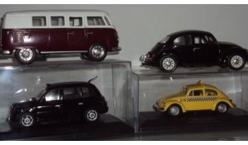 Coleção de miniaturas de veículos (Acervo pessoal).