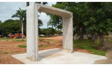 Aduela de concreto instalada na superfície do Parque dos Pioneiros (Foto: Thiago Rafael).