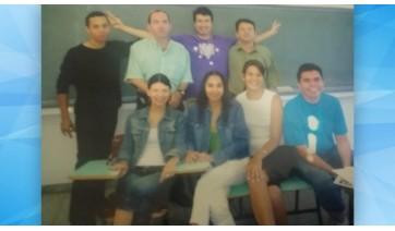 Formandos da primeira turma do curso de jornalismo da UNIFAI (Acervo Pessoal/Sebar).