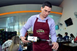 Degustação de vinhos na Cocipa