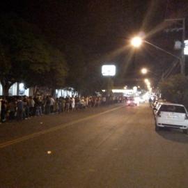 Fila chegou ao campus 3 da UniFAI, na Via de Acesso (Reprodução/Leandro Scrocaro)