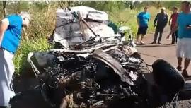Fiat Strada ficou totalmente destruída, matando o condutor (Imagem: Reprodução/Vídeo/Site Jorge Zanoni).