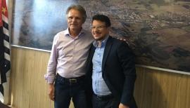 Deputado Vanderlei Macris é recebido em Adamantina, no gabinete do prefeito (Foto: Da Assessoria).