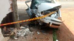 Homem fica ferido após bater carro em restaurante às margens de rodovia