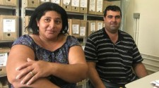 Anônimo doa cadeira de rodas especial para criança com sequelas de meningite