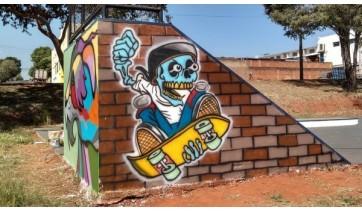 Pista de Skate no Parque dos Pioneiros recebe nova pintura e grafites