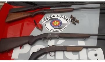 PM apreende espingardas na zona rural e prende dois por posse ilegal de arma de fogo