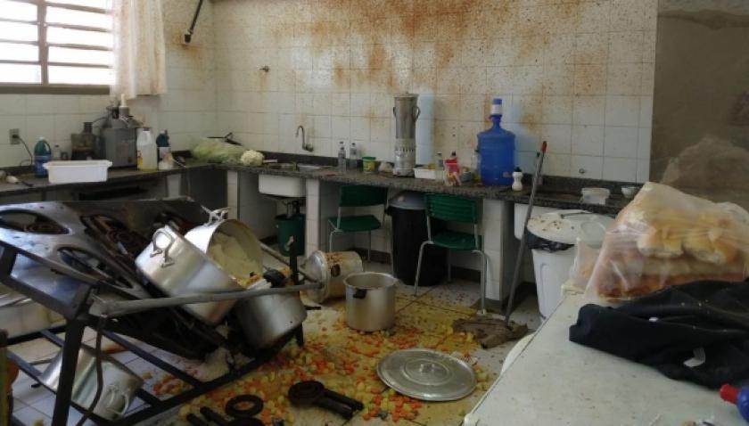 Panela de pressão explode em cozinha de escola e três merendeiras ficam feridas