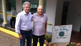 Deputado Vanderlei Macris em visita ao Lar dos Velhos de Adamantina (Foto: Da Assessoria).
