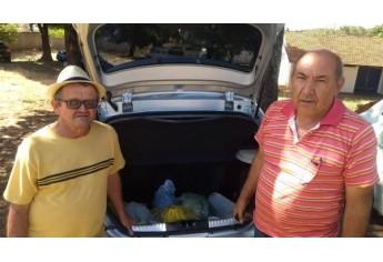 Alimentos arrecadados foram entregues no sábado a representantes dos Lar dos Velhos (Foto: Cedida).