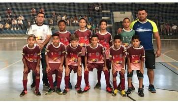 "Equipe de futsal sub-12, de Lucélia, campeã pela categoria na 22ª Copa Regional ""Alcides Mattiuzzi"" de Futsal (Da Assessoria)."