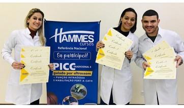 Trio de enfermeiros da Santa Casa, no curso realizado em Presidente Prudente (Acervo Pessoal).