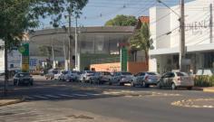 Medo de desabastecimento de combustível provoca corrida aos postos em Adamantina