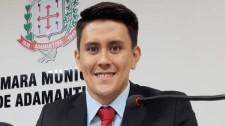 """""""Política e direito"""" no curso de administração da UniFAI..."""