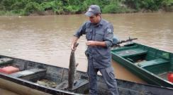 Pescadores são autuados em fiscalização da PM Ambiental no Salto Botelho