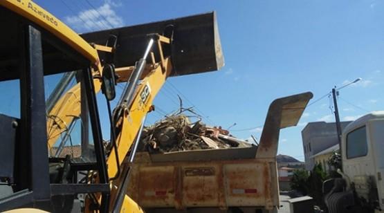 Mutirão de limpeza segue até sábado na Vila Jardim