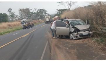 Acidente entre Lucélia e Inúbia Paulista deixa uma pessoa ferida
