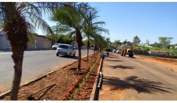 Prosseguem as obras da nova faixa para conversão livre na Avenida Antônio Tiveron