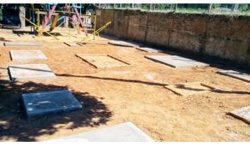 Iniciada construção das bases que sustentarão academia ao ar livre na Vila Freitas (Foto: Da Assessoria).