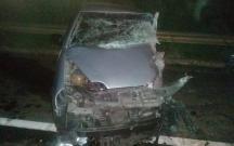 Batida frontal entre carro e caminhonete mata homem de 21 anos