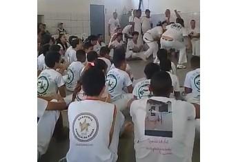 Grupo de Capoeira Estrela da Barra, de Adamantina, no evento realizado em Presidente Prudente (Foto: Cedida).