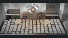 Casal é preso pela Força Tática da PM com 185 saches de cocaína na SP-294 em Adamantina