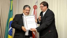 Em cerim�nia marcada pela emo��o, Passarinho recebe t�tulo de Cidad�o Adamantinense