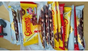 Homem é preso após furtar 19 barras de chocolate em supermercado