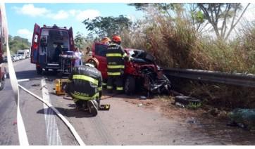Grave acidente envolve carro de Adamantina e outros três veículos na SP-294
