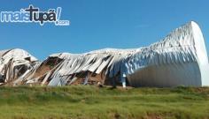 Galpão com 300 mil sacas de amendoim desaba em Herculândia