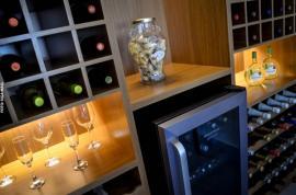Mosconi Bar: novo espaço com petiscaria, porções, serviço de restaurante e bebidas nacionais e importadas (Foto: Acácio Rocha).