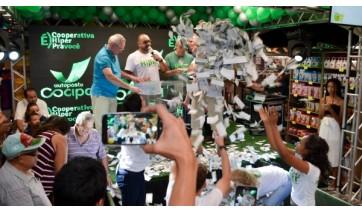 Cocipa: sorteio define ganhadores de carro, motos e 12 vale-compras da promoção Hiper Cliente Feliz