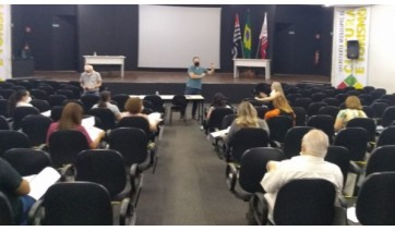 Recente encontro realizado com a participação de representantes de todos os segmentos do magistério e da Prefeitura (Divulgação/PMA).