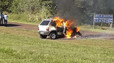 Homem de 67 anos morre carbonizado em acidente de carro na região
