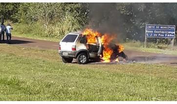 Homem de 67 anos morreu carbonizado, após acidente com o veículo que dirigia (Fotos: Reprodução/Site Jorge Zanoni).