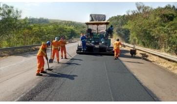 Eixo SP recupera pavimento na SP-294, trecho entre Osvaldo Cruz e Lucélia