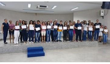 Classificados em primeiro lugar nos cursos do vestibular da UniFAI recebem certificados e descontos