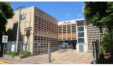 Duas mulheres e seus companheiros foram condenados a penas que variam de oito a dez anos e dez meses de reclusão, pelos crimes de tráfico de drogas e associação para o tráfico (Arquivo).