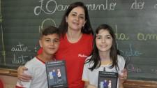 Aluno da EMEF Navarro de Andrade escreve livro e colega de turma faz as ilustrações