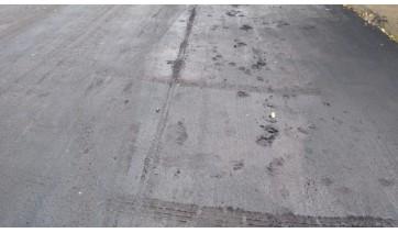 Moradores desrespeitam interdições temporárias e danificam ruas recém recapeadas