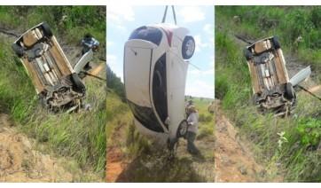 Carro sai da pista na SP-294 e cai em ribanceira entre Adamantina e Flórida Paulista