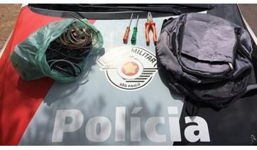 Material furtado foi recuperado pela Polícia Militar e homem preso em flagrante (Foto: Cedida/PM).