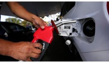 Decreto de Bolsonaro obriga postos a exibirem composição do preço de combustível