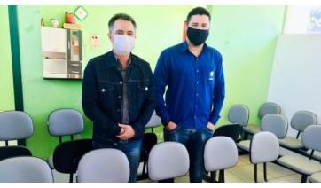 Haddad faz doação de longarinas para o velório municipal de Mariápolis