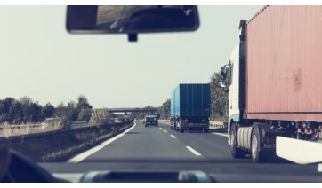 Governo de SP anuncia distribuição de 140 mil kits de alimentação para caminhoneiros
