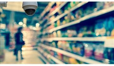 Cliente é indenizado após ser tratado como suspeito por seguranças em supermercado