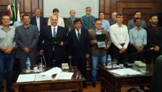 Dirigentes da UniFAI recebem Moção de Congratulações da Câmara Municipal de Tupã