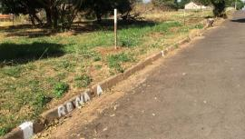 Demarcações na Avenida Cristóvão Goulart Marmo, em terrenos na região da antiga Colônia da Fepasa (Foto: Siga Mais).