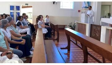 Frei Mateus, gestor da Santa Casa, apresentou balanço do primeiro ano de trabalhos (Foto: Maikon Moraes/Siga Mais).
