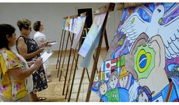 Lions Clube de Adamantina realiza etapa municipal do Concurso Cartaz sobre a Paz